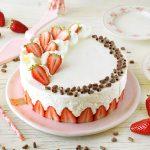 עוגת תותים וקצפת ב 10 דקות