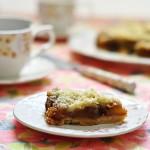 עוגת תפוחים ופירורים – וריאציה על טראט טאטין