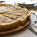 קיש גבינת עזים ועשבי תיבול