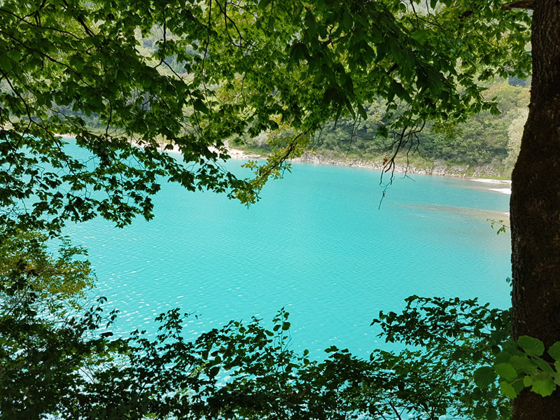 אגם טנו צפונית לאגם גארדה