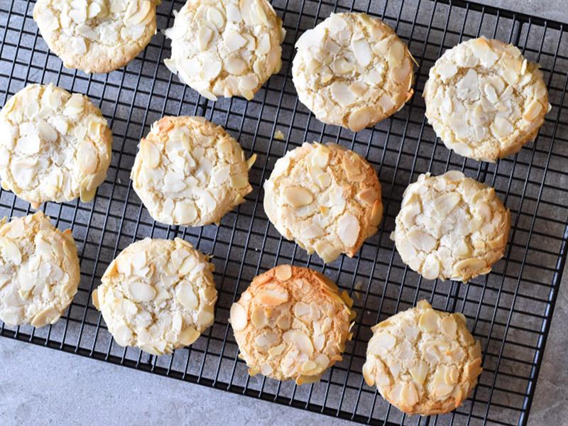 עוגיות אמרטי עוגיות שקדים