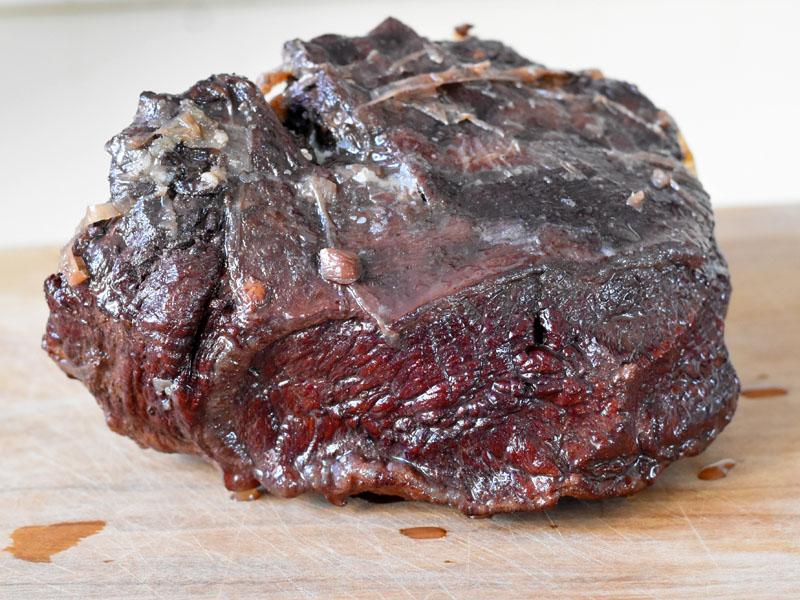 בשר צלי לפני פריסה