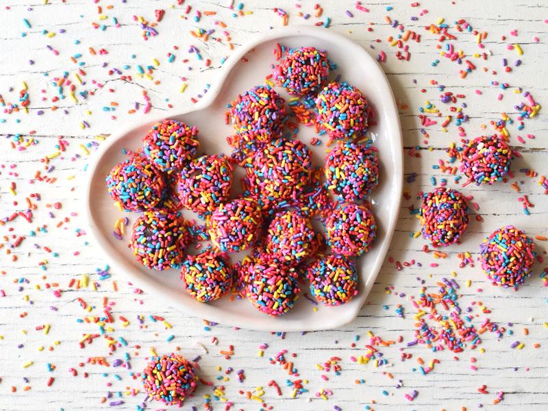 טראפלס שוקולד בציפוי סוכריות