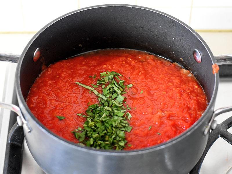 רוטב עגבניות ללזניה