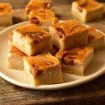 קוביות עוגת גבינה ונוגט