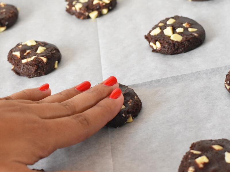 הכנת עוגיות שוקולד צ'יפס