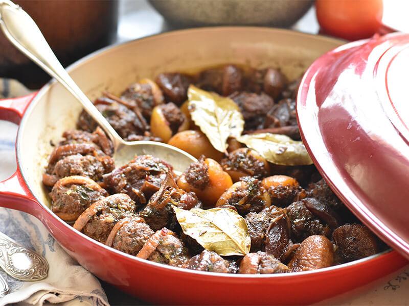 פירות יבשים ממולאים בבשר של אהרוני