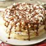 עוגת קרפים עם קצפת וריבת חלב