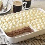 עוגת ביסקוויטים שוקולד עם קרם וניל