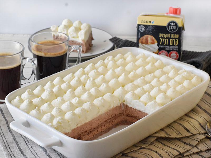 עוגת ביסקוויטים עם קרם שוקולד וקרם וניל של השף הלבן