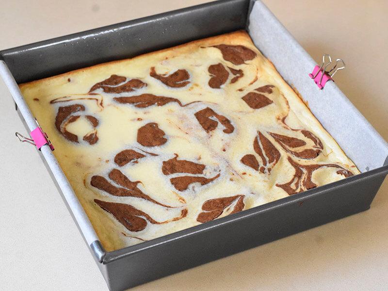 בראוניז שוקולד וגבינה חמים מהתנור