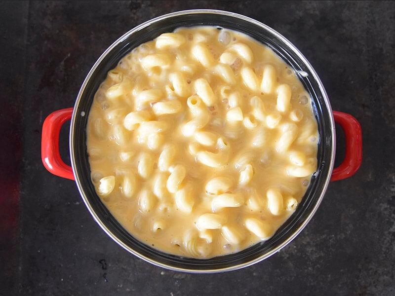 הוספת בשמל גבינות למקרוני
