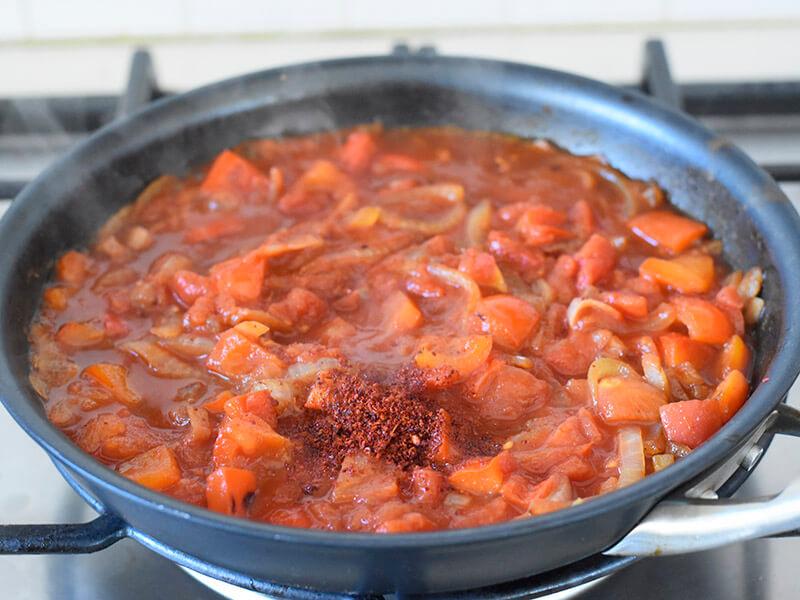 עגבניות של מאסטר שף ופפריקה לשקשוקה