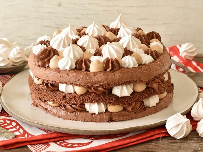 עוגת יום הולדת עם מוס שוקולד ומוס ריבת חלב