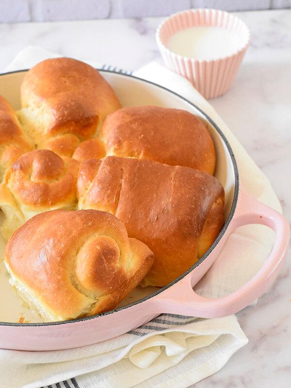 לחם חלב יפני