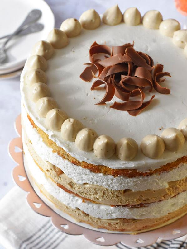 עוגת שכבות קפה חגיגית
